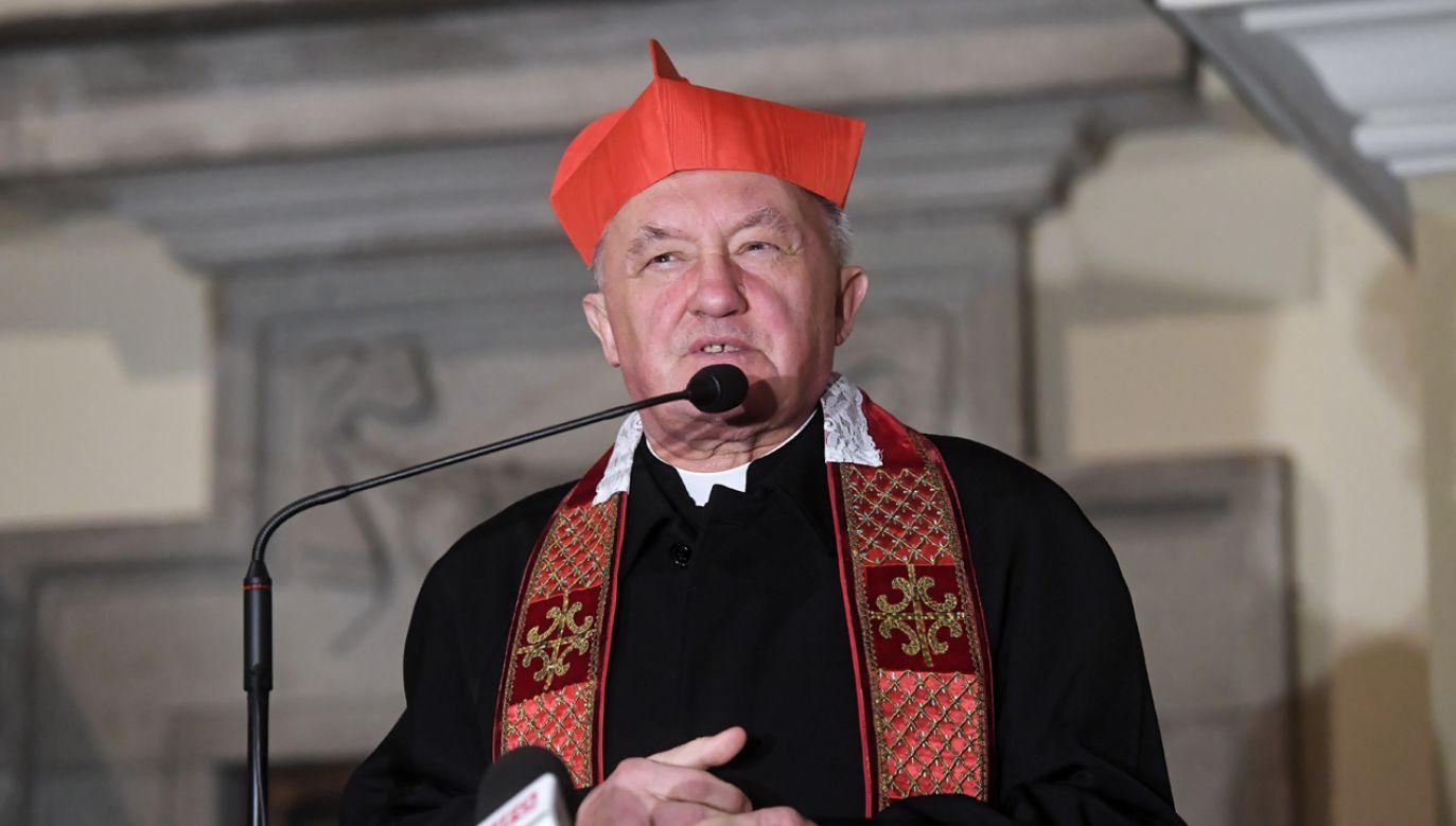 Święto Zmartwychwstania nadaje sens całemu życiu chrześcijanina – mówi metropolita warszawski (fot. PAP/Piotr Nowak)