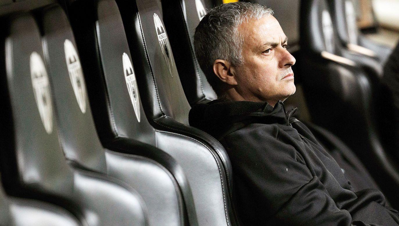 Portugalski trener Jose Mourinho (fot. PAP/EPA/MANUEL BRUQUE)
