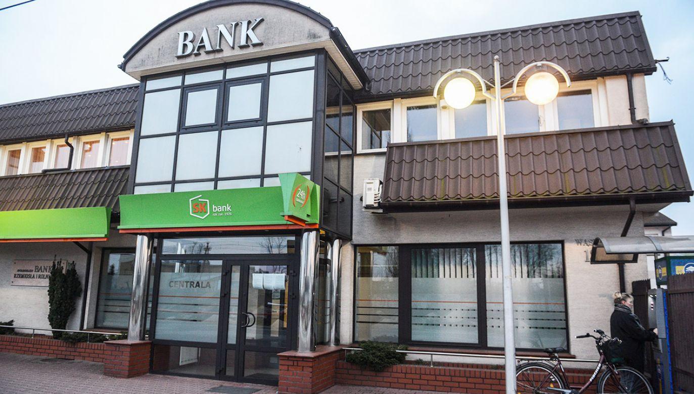 Siedziba Spółdzielczego Banku Rzemiosła i Rolnictwa w Wołominie (fot. arch.PAP/Jakub Kamiński)