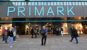 Primark znany jest z niskich cen (fot. Shutterstock/pio3)