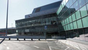 Bez modernizacji Lotnisko Chopina obsłuży kilkadziesiąt mln pasażerów mniej (fot. arch. PAP/Leszek Szymański)