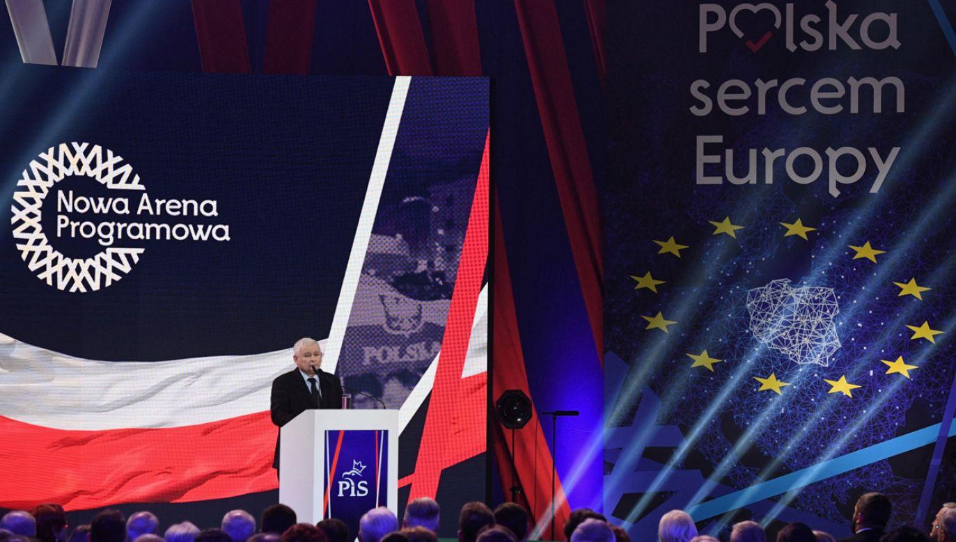 Jarosław Kaczyński na konwencji Prawa i Sprawiedliwości (fot. PAP/Radek Pietruszka)