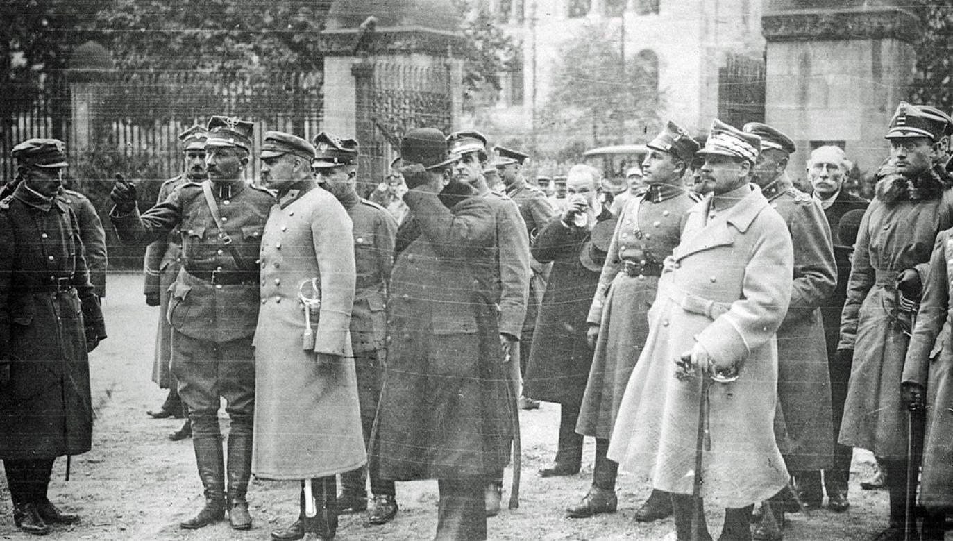 Na taśmie filmowej udokumentowano m.in. spotkanie hallerczyków z marszałkiem Józefem Piłsudskim (fot. NAC)