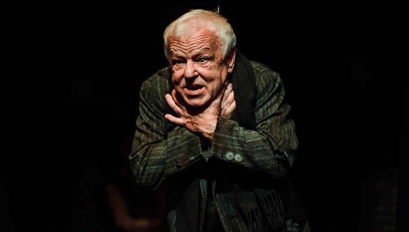 """Marian Opania został nagrodzony za wybitną rolę w spektaklu """"Ojciec""""  (fot. FB/Teatr Ateneum)"""