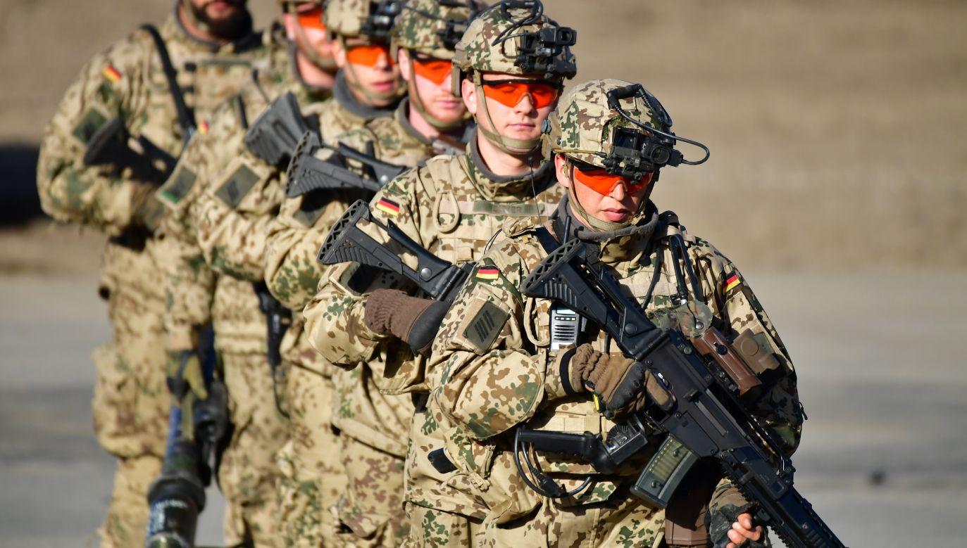 """Kanclerz oceniła, że dodatkowe środki na wojsko oznaczają """"pewność, że będzie można kupić więcej nowoczesnego sprzętu"""" (fot. Alexander Koerner/Getty Images)"""