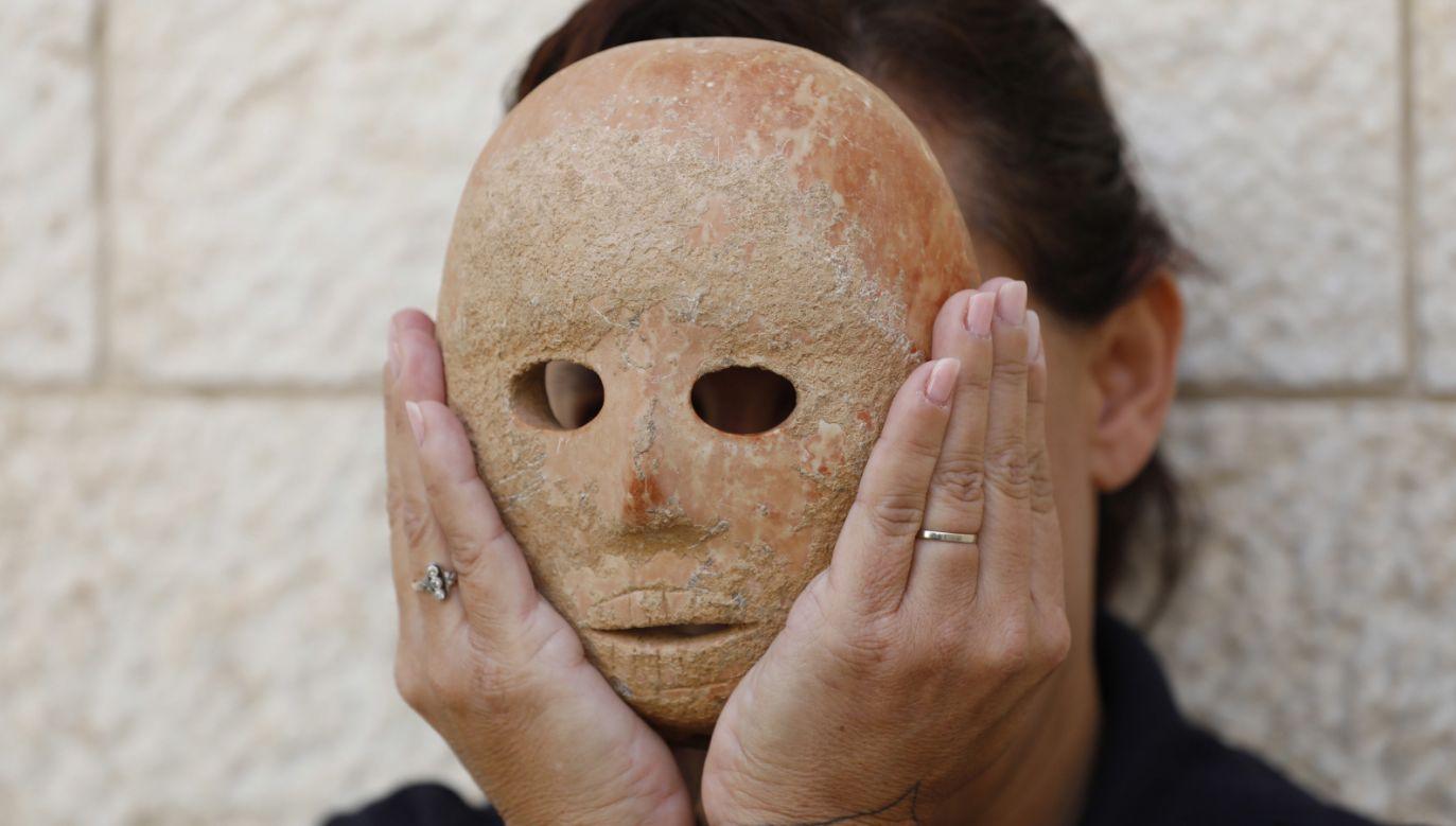 Maska pochodzi sprzed 9 tys. lat (fot. PAP/EPA/ABIR SULTAN)