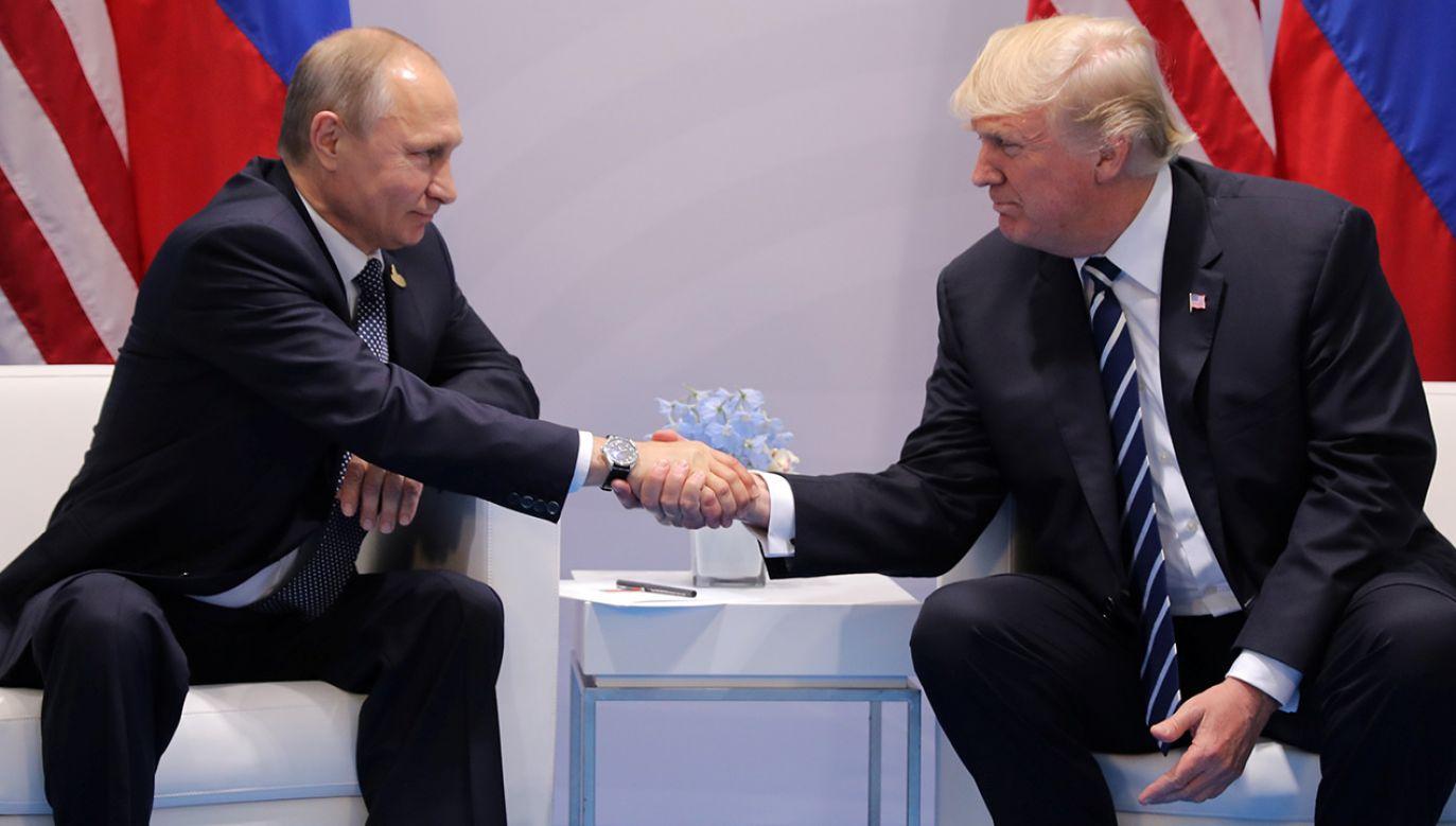 Prezydent Rosji Władimir Putin i Trump rozmawiali telefonicznie w nocy z czwartku na piątek (fot. REUTERS/Carlos Barria)