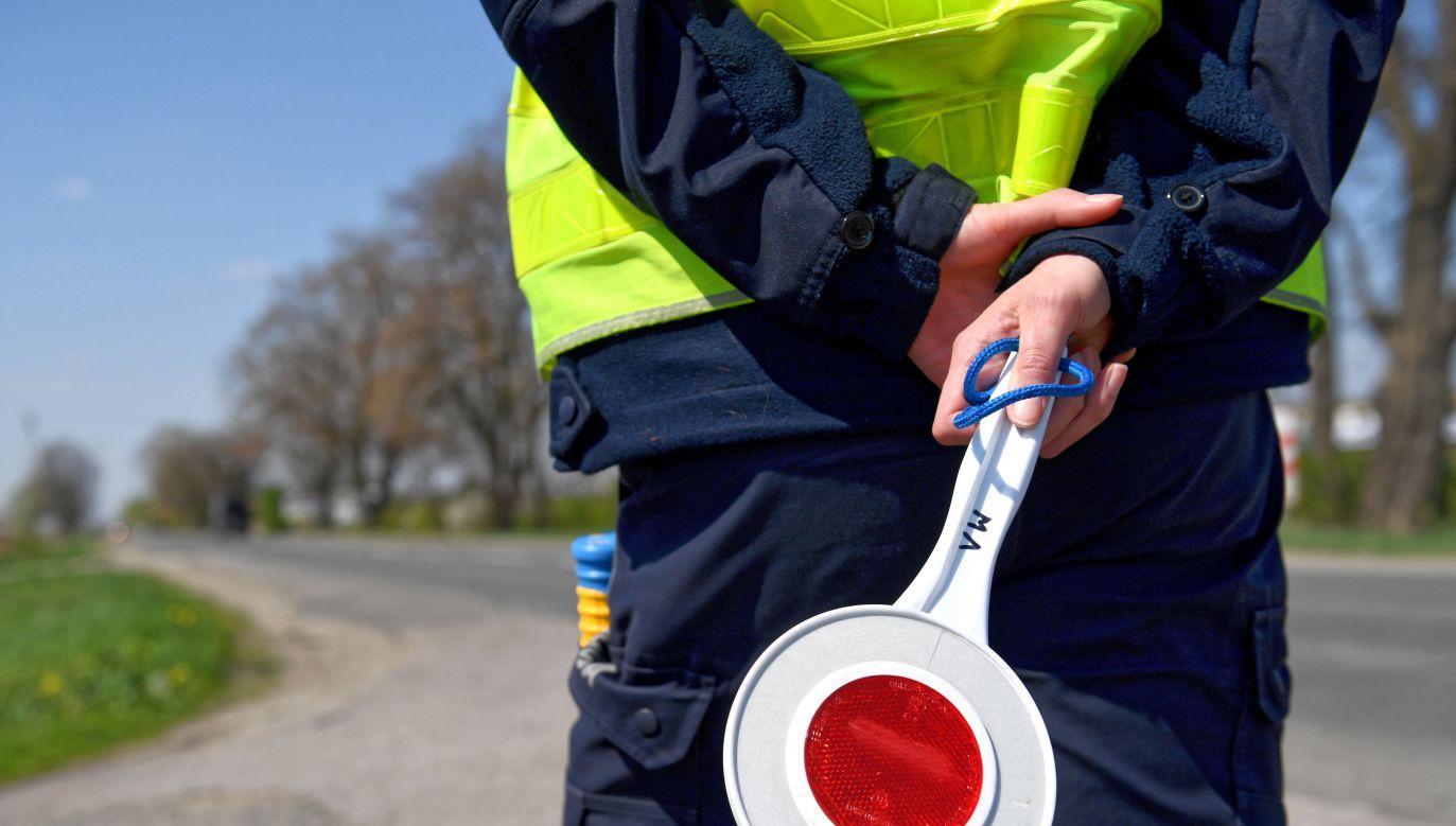 W zapewnieniu bezpieczeństwa w czasie wielkanocnych wyjazdów weźmie udział nawet 5,5 tys. policjantów (fot. PAP/Darek Delmanowicz)