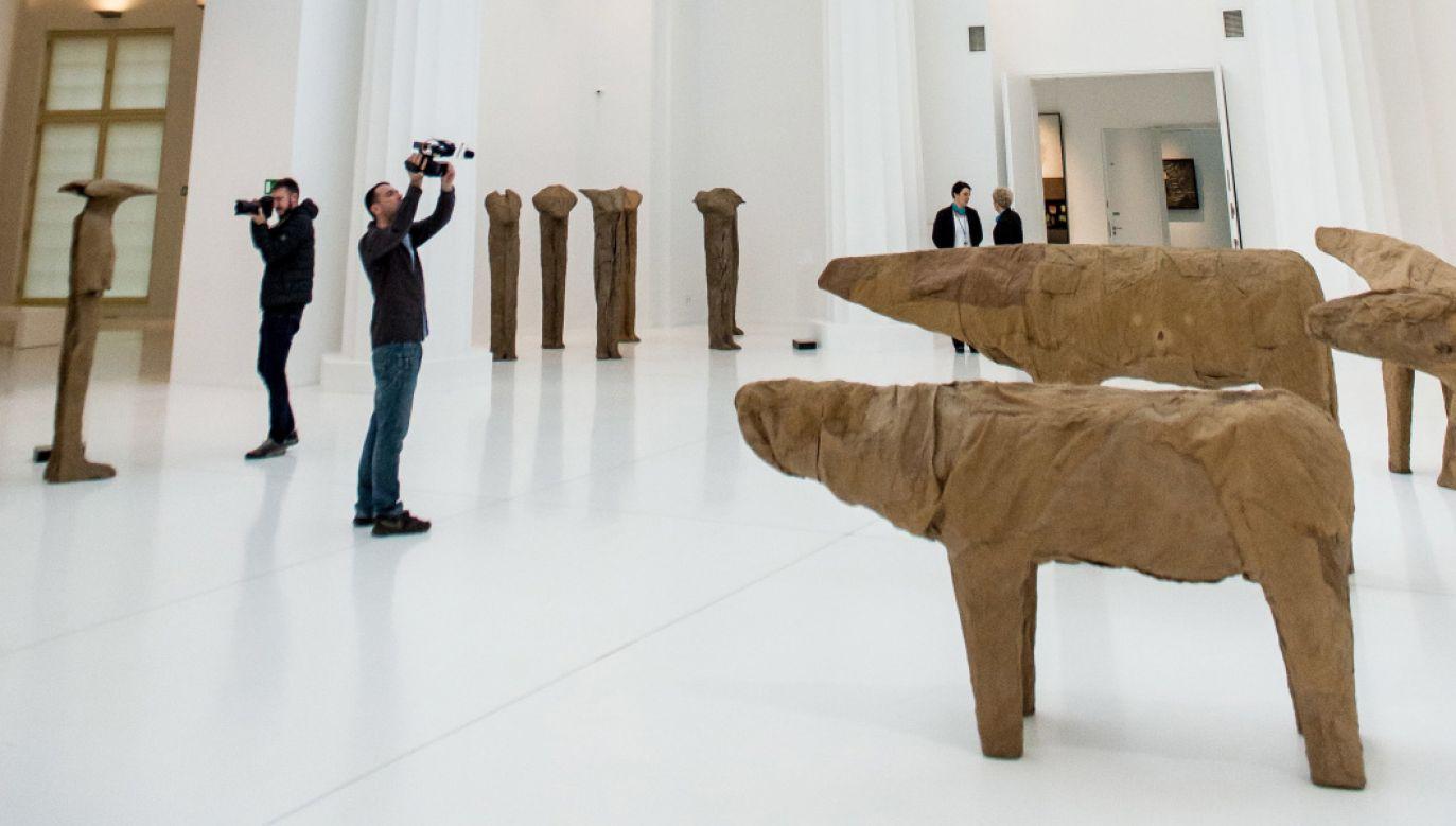 Wystawa prac Magdaleny Abakanowicz w Pawilonie Czterech Kopuł we Wrocławiu (fot. PAP/Maciej Kulczyński)