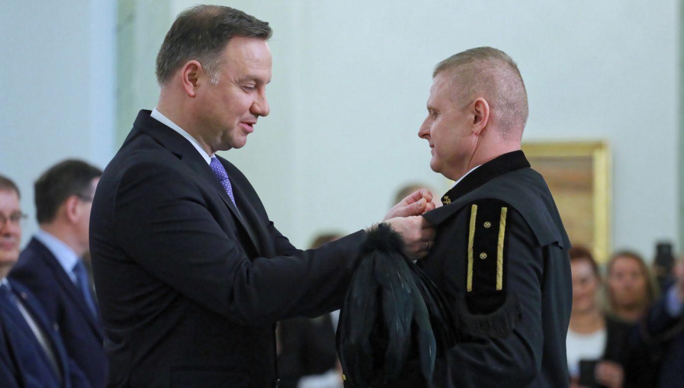 Prezydent wręczył Medale za Ofiarność i Odwagę ratownikom górniczym (fot. PAP/Paweł Supernak)
