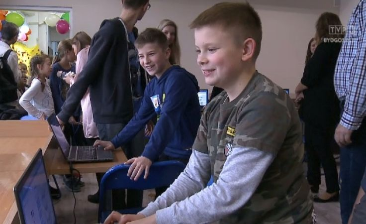 Otwarcie specjalistycznej pracowni robotyki w SP nr 8 w Toruniu