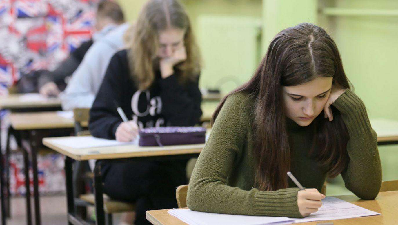 Egzamin uczniów klas ósmych (fot. arch. PAP/ Lech Muszyński)