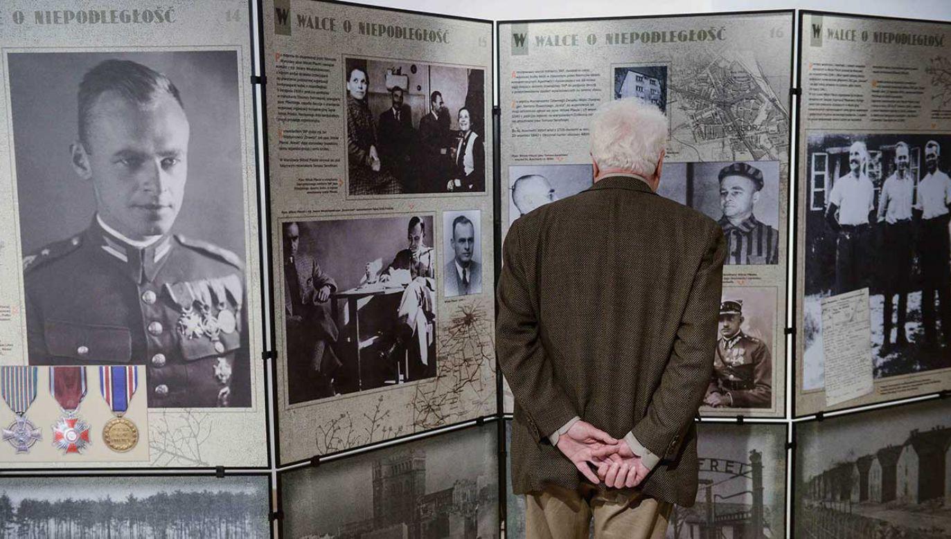 """Wystawa IPN """"Rotmistrz Witold Pilecki 1901-1948"""" (fot. arch. PAP/Jakub Kamiński)"""