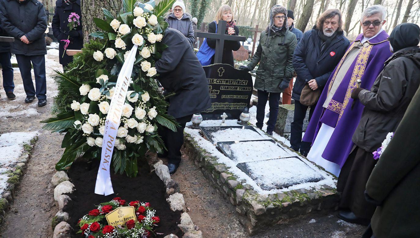 """Dziennikarka prowadziła przez 25 lat w TVP program """"Tele-Echo"""" (fot. PAP/Tomasz Gzell)"""