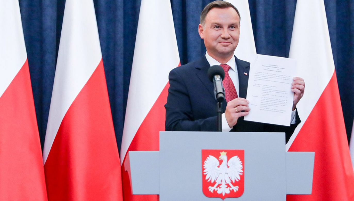 Prezydent RP Andrzej Duda podczas piątkowej konferencji (fot. Jakub Szymczuk/KPRP)