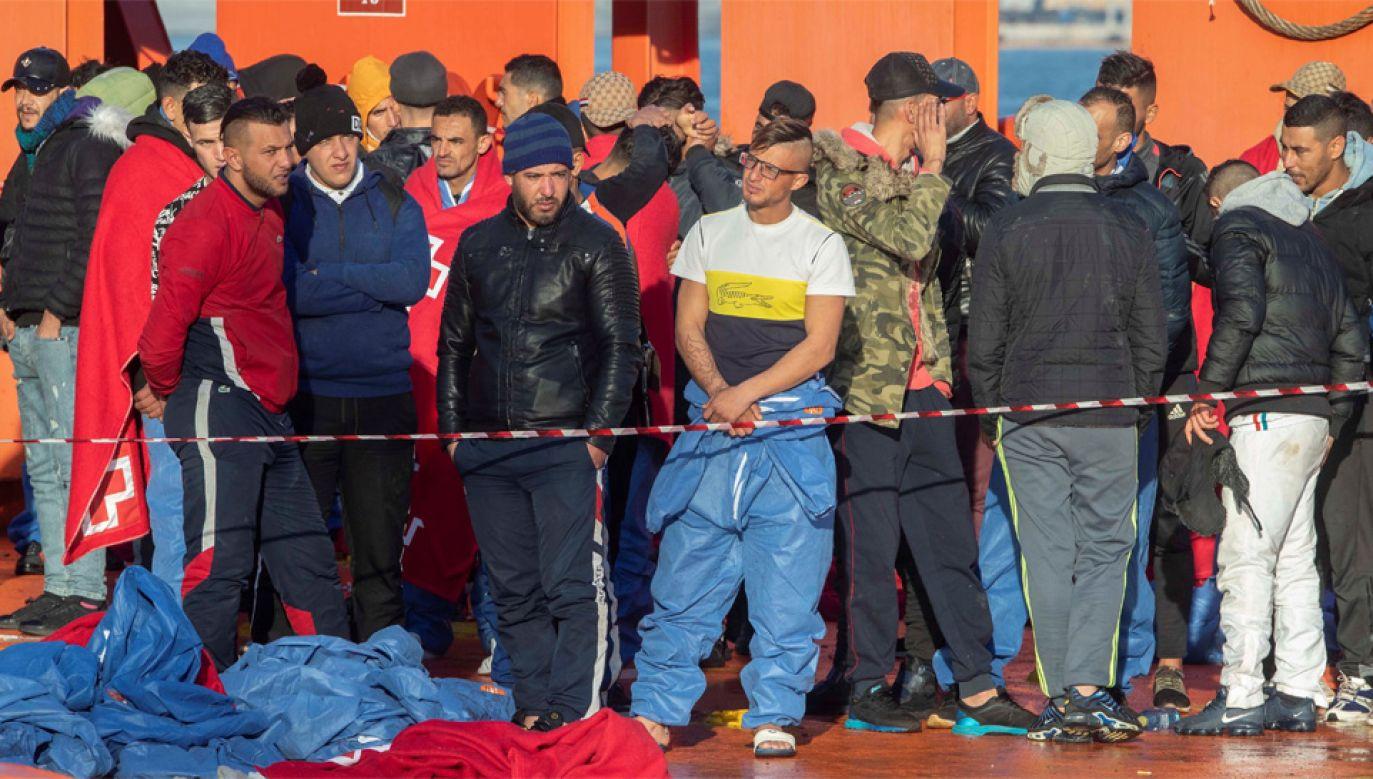 Europa zmaga się z kryzysem migracyjnym (fot. PAP/EPA/MARCIAL GUILLEN)