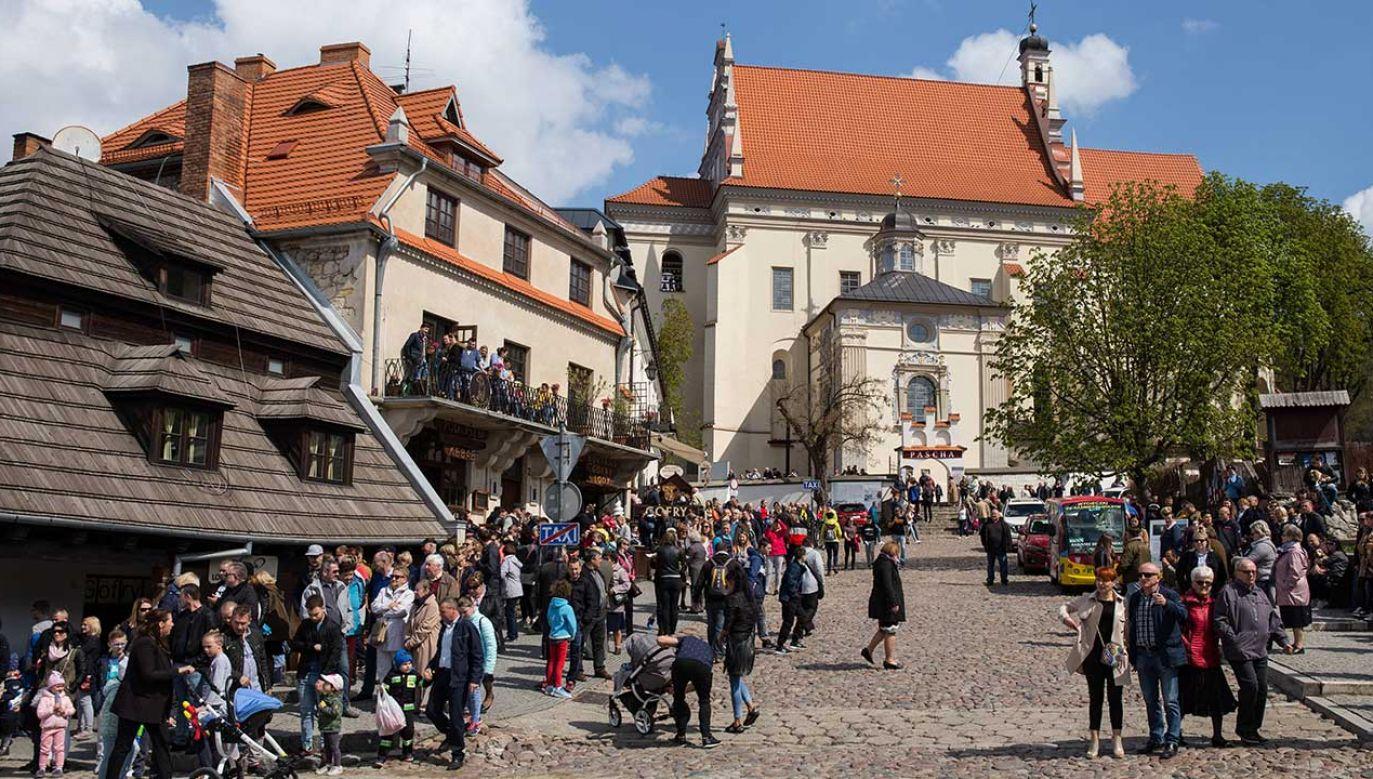 Rynek w Kazimierzu Dolnym (fot.  PAP/Wojtek Jargiło)