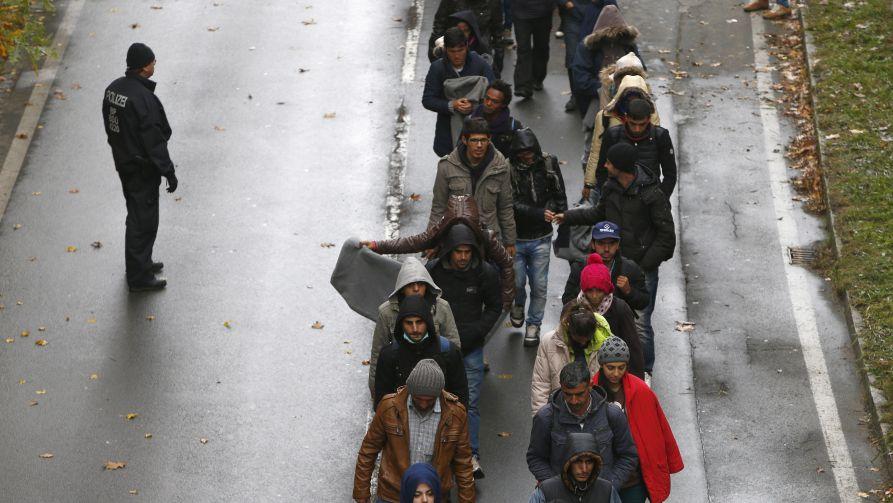 Europa znów może zostać zalana przez migracyjną falę (fot. REUTERS/Michaela Rehle)