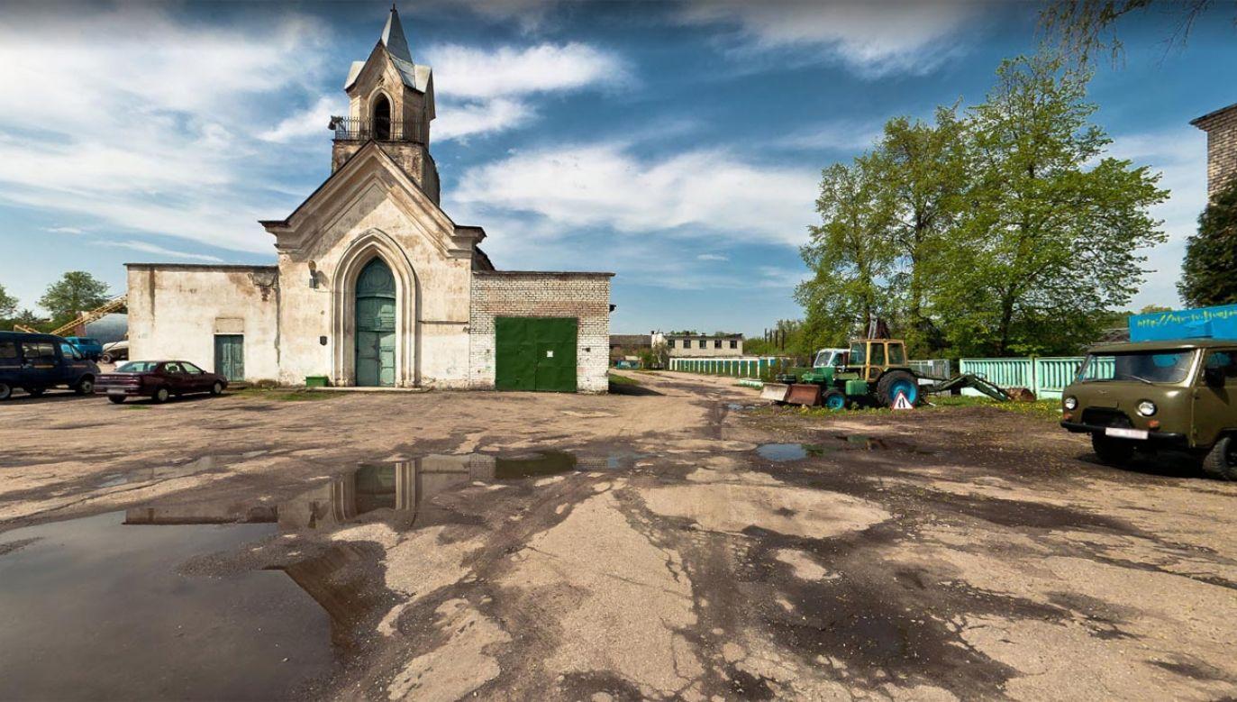 Grodno, kaplica i park maszynowy w 2010 roku (fot. google.maps)