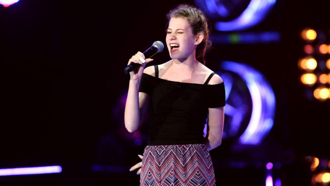 """15-letnia Ania Jensen wykonała przebój """"Counting Stars"""