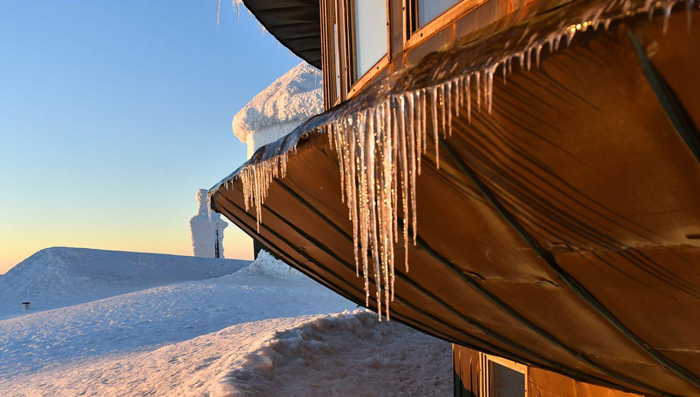 Szczególnie mroźno będzie w górach (fot. PAP/Maciej Kulczyński)