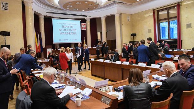 Posiedzenie Rady Miasta w Warszawie (fot. PAP/Piotr Nowak)