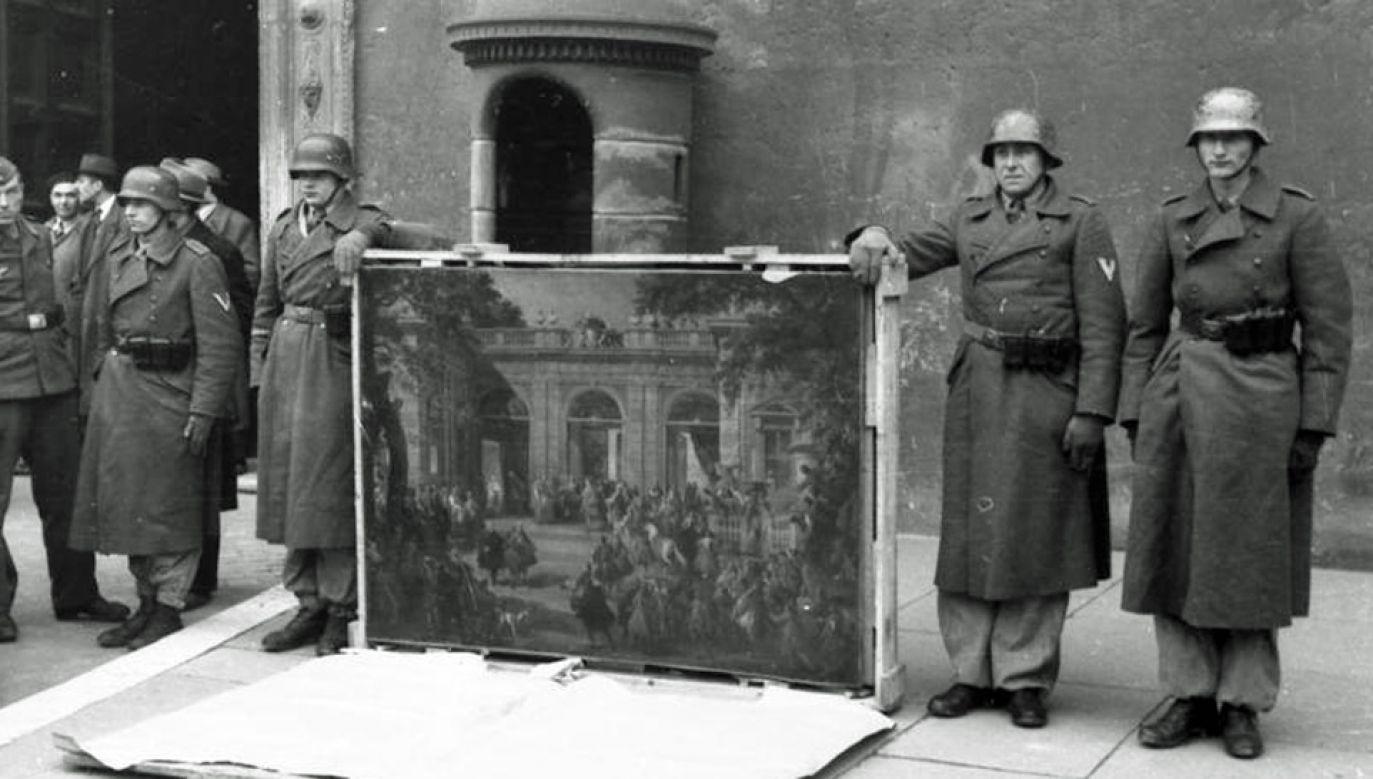 Niemcy przeprowadzali rabunek dzieł sztuki w sposób systematyczny (fot. Wiki/Bundesarchiv)