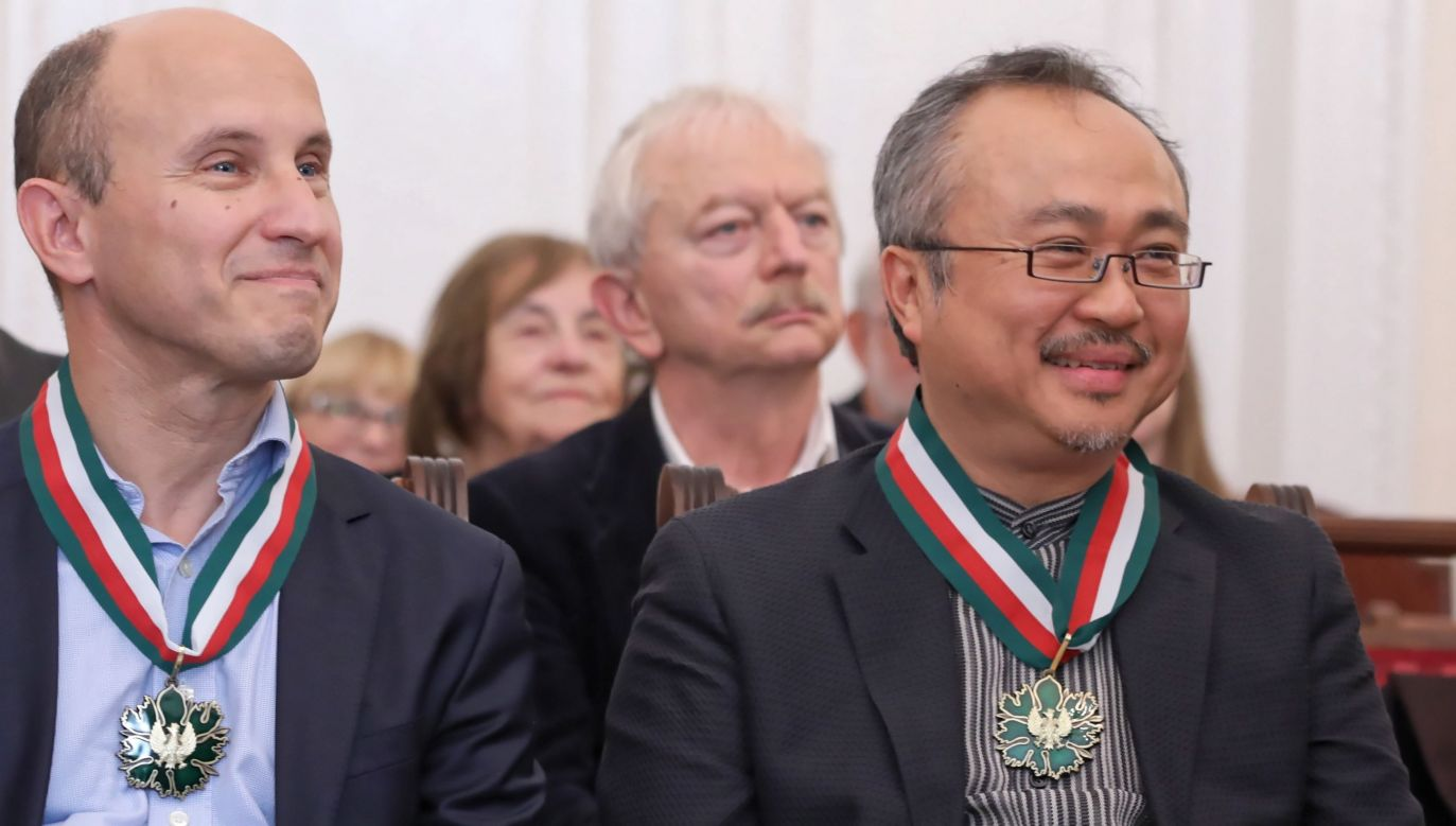 Nelson Goerner (L) and Dang Thai Son (R) have received the Golden Gloria Artis Medals for Merit to Culture. Photo: PAP/Tomasz Gzell