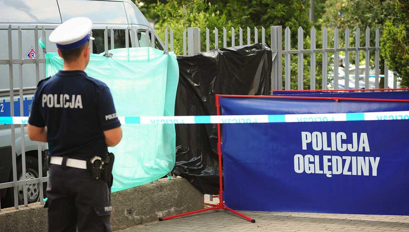 Zwłoki mężczyzny odnaleziono nad ranem w samochodzie (fot. arch. PAP/Tytus Żmijewski)