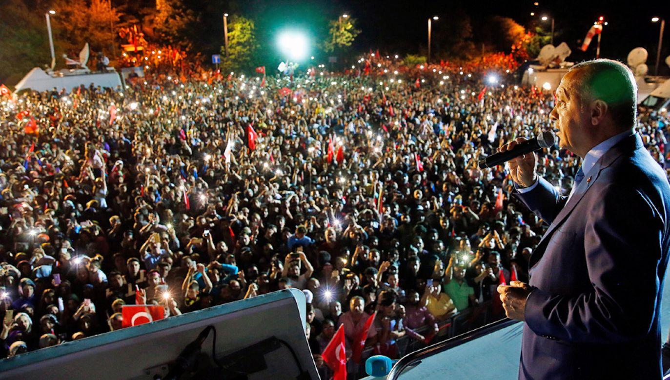 Recep Tayyip Erdogan rządzi od 2003 roku (fot. PAP/EPA/PRESIDENTIAL PRESS OFFICE/HANDOUT)
