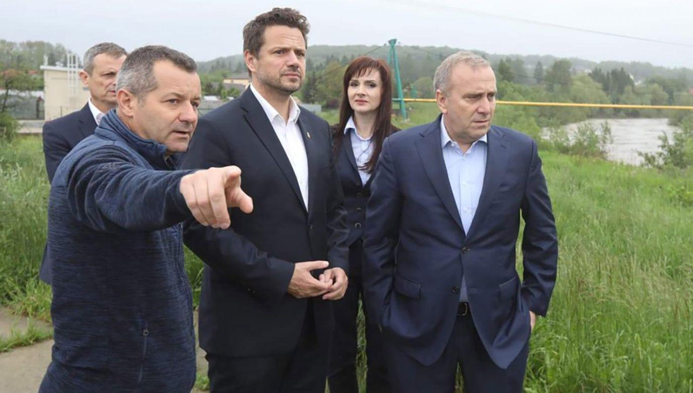 Na Podkarpaciu w 7 powiatach obowiązuje  pogotowie przeciwpowodziowe (fot. tt/@SchetynadlaPO)