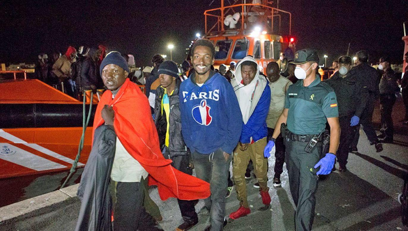 Od piątku do Włoch przybyło ponad 2 tys. osób (fot. PAP/EPA/MIGUEL PAQUET)