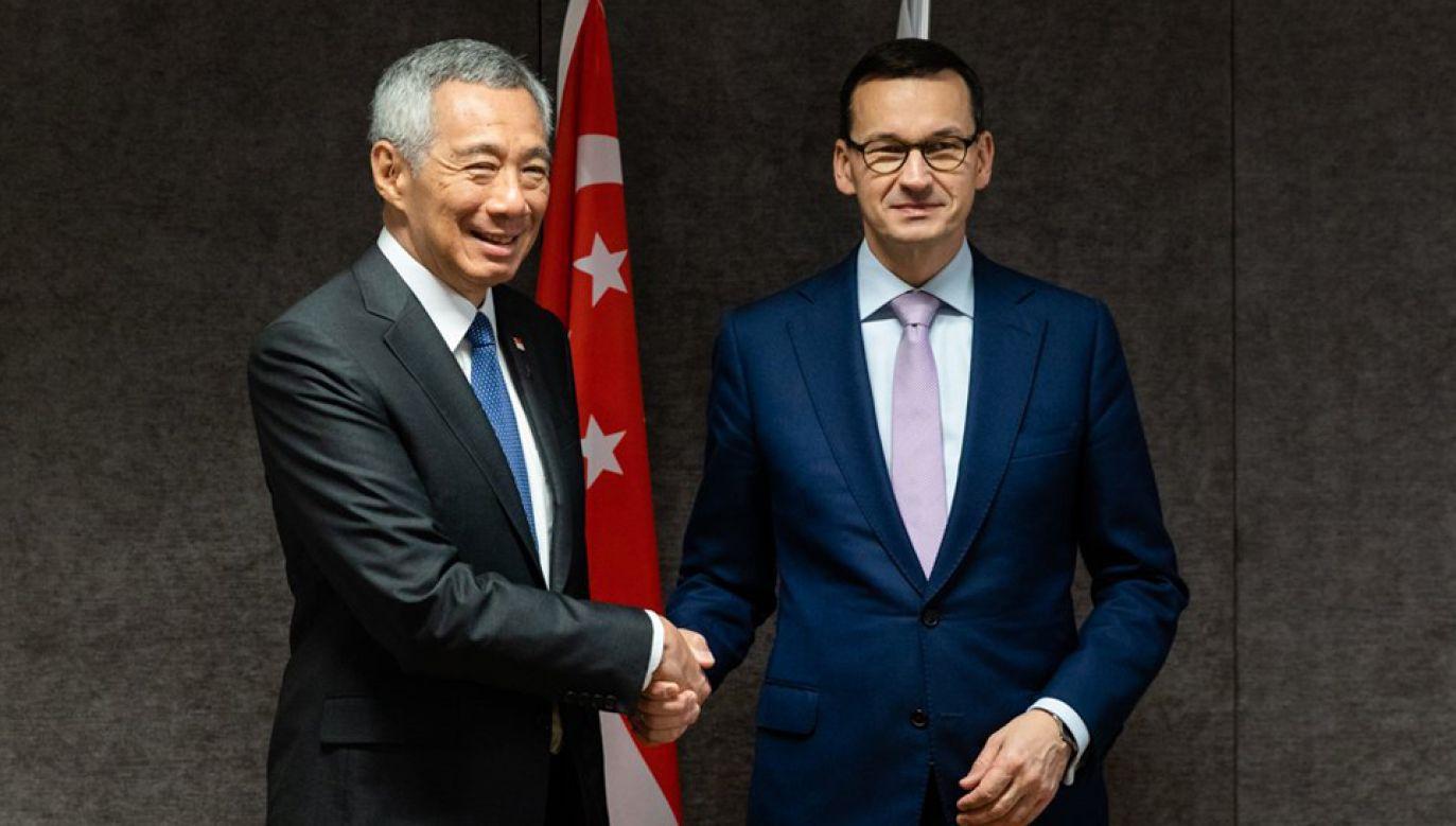 Premier Mateusz Morawiecki rozmawiał z premierem Singapuru Lee Hsienem Loongiem (fot. TT/#PremierRP)