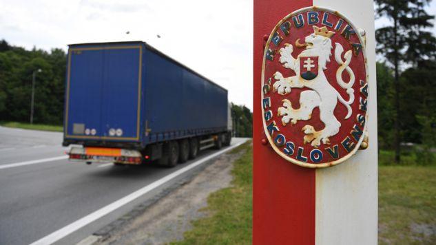 Drogi S19 i R4 mają się połączyć w pobliżu granicznych miejscowości Barwinek i Vysny Komarnik (fot. PAP/Darek Delmanowicz)
