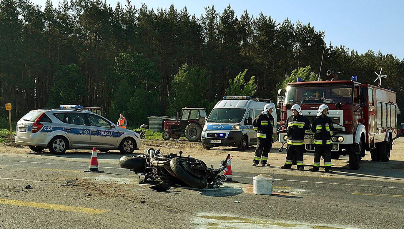 Mężczyzna  w ciężkim stanie został zabrany do szpitala (fot. FB/Bydgoszcz 998)