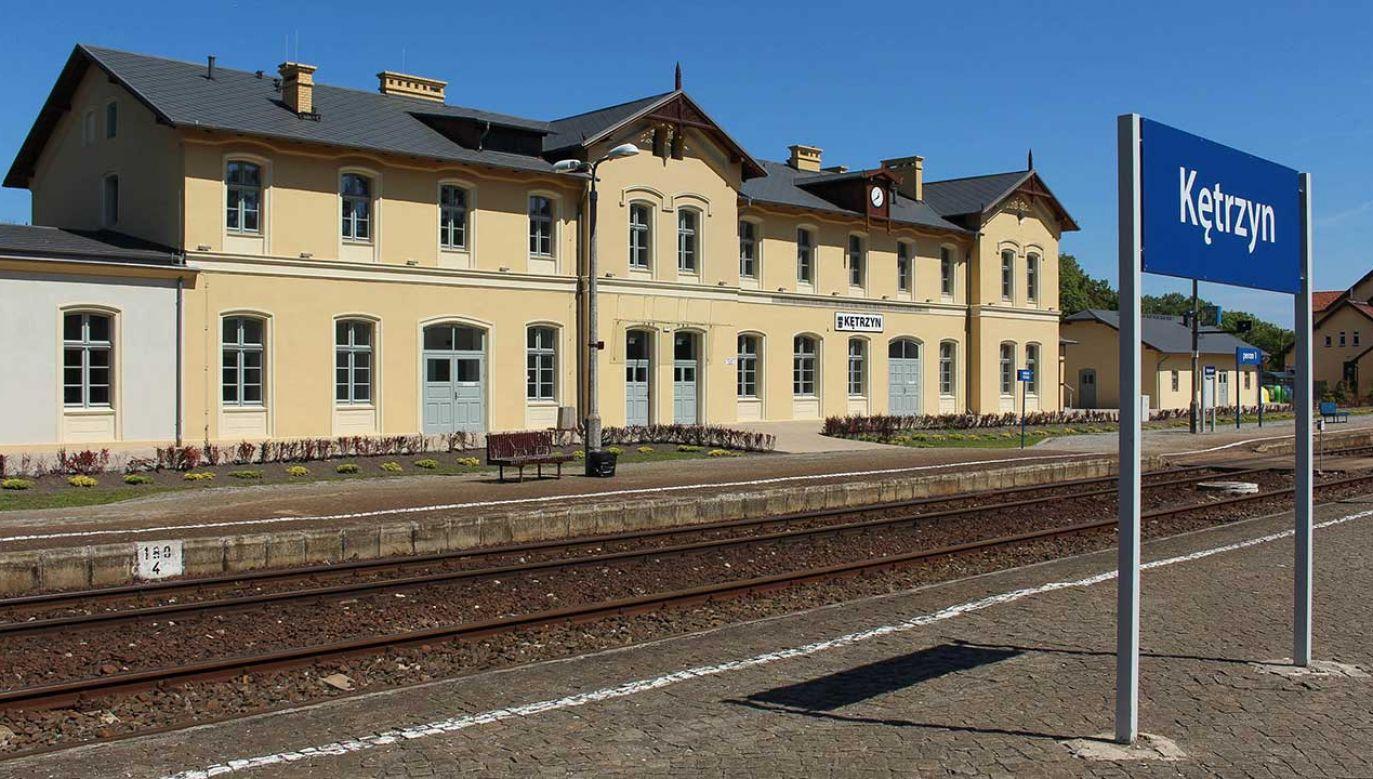 Ruch pociągów jest wstrzymany. Utrudnienia potrwają nawet kilka godzin (fot. Shutterstock/canon_shooter)