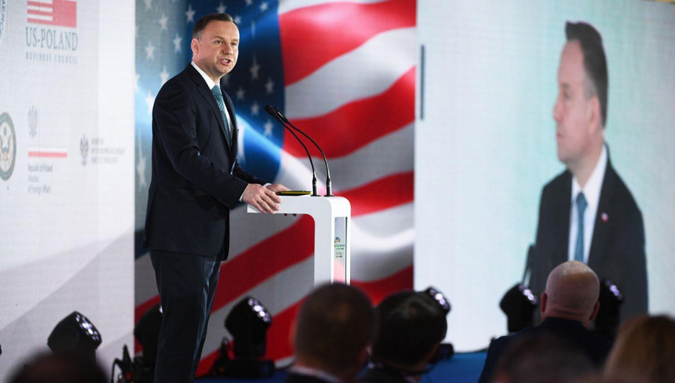 Prezydent Andrzej Duda przemawia podczas otwarcia Polsko-Amerykańskiego Szczytu Gospodarczego (fot.  PAP/Jacek Turczyk)