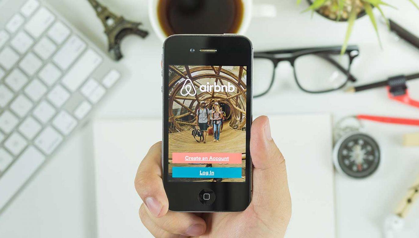 Firmie Airbnb wytknięto, że nie prezentuje cen w sposób przejrzysty (fot. Shutterstock/ Have a nice day Photo)