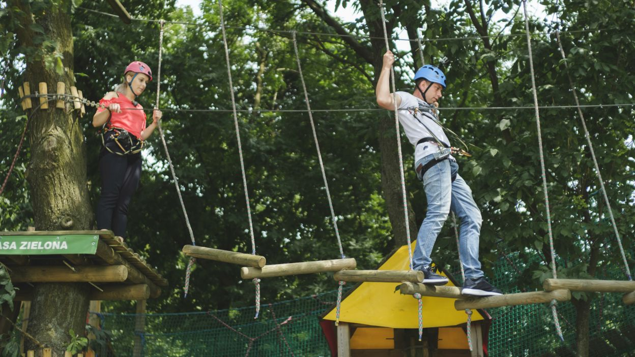 Sytuacja zmienia się po randce na leśnym torze przeszkód (fot. TVP)