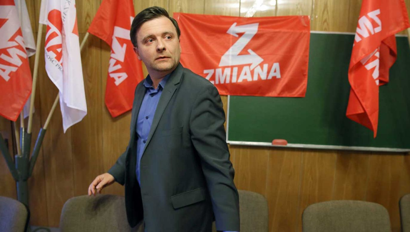Były działacz Samoobrony i przewodniczący nowej partii Mateusz Piskorski, podczas pierwszego zgromadzenia krajowego partii politycznej Zmiana (fot. arch. PAP/Tomasz Gzell)