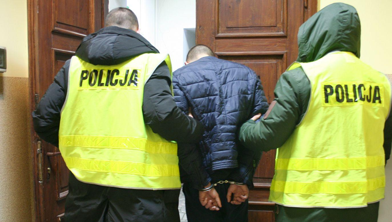 Fałszywi policjanci są już w rękach tych prawdziwych (fot. KPP w Żninie)
