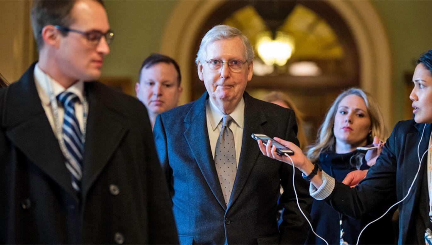 Lider Republikanów w Senacie Mitch McConnell (fot. PAP/EPA/JIM LO SCALZO)
