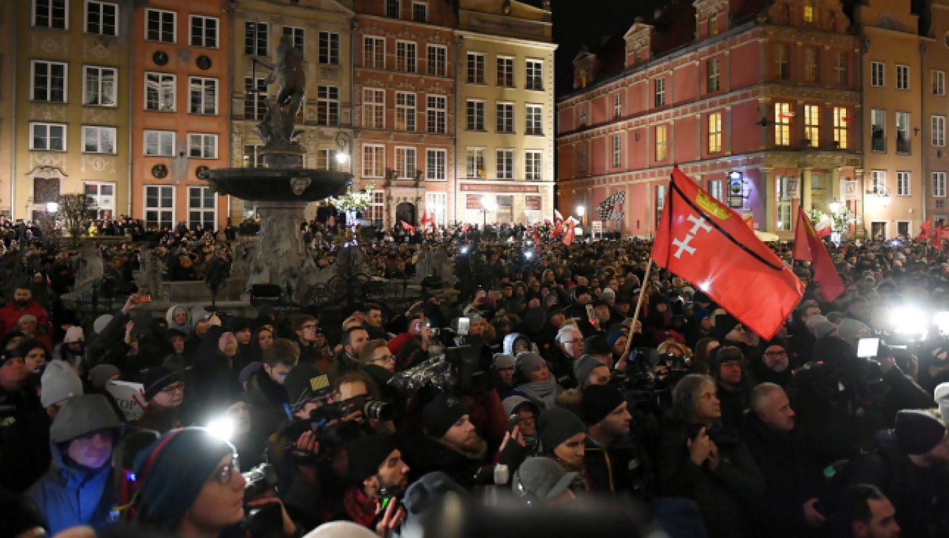 Wiec Przeciwko Nienawiści i Przemocy poświęcony pamięci zmarłego prezydenta Gdańska Pawła Adamowicza (fot. PAP/Adam Warżawa)