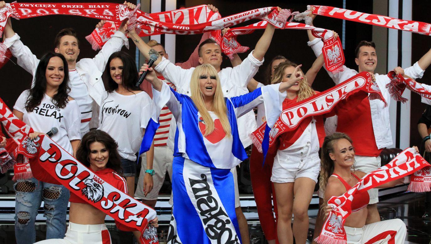Na pierwszą część koncertu składają się piosenki mundialowe, które do tej pory towarzyszyły rozgrywkom polskiej drużyny (fot. PAP/Krzysztof Świderski)