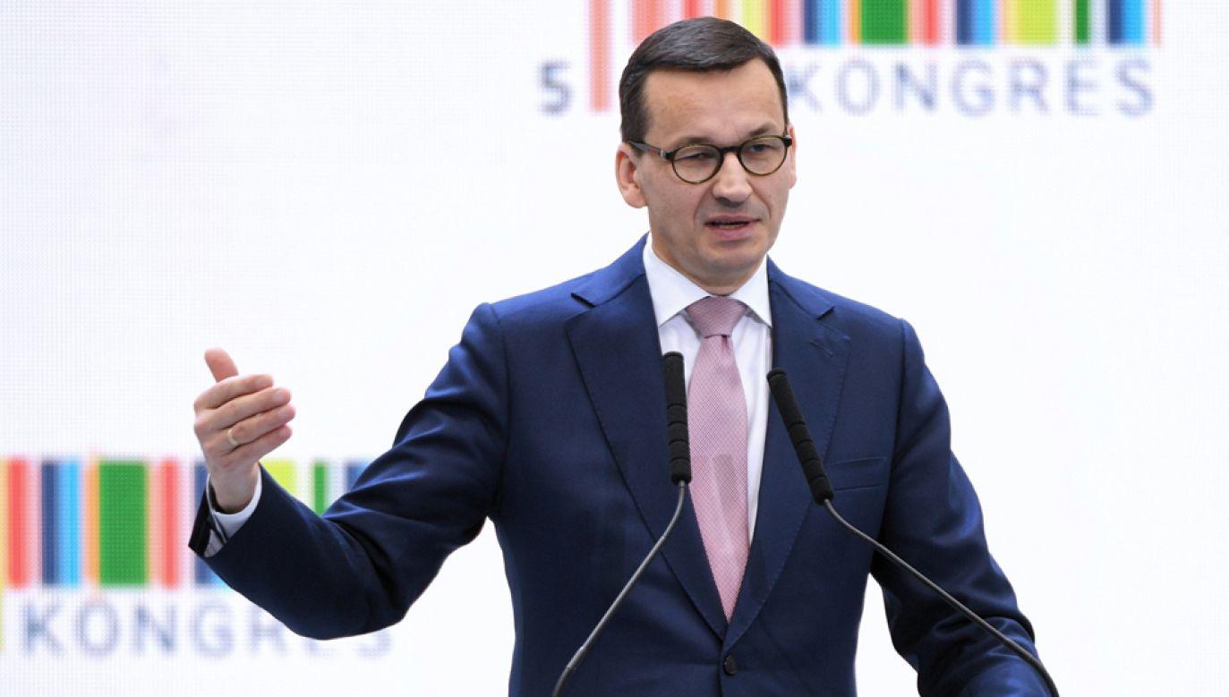 Premier Mateusz Morawiecki na Kongresie 590 w Jasionce (fot. PAP/Darek Delmanowicz)