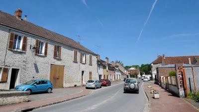 ad7619482 Po kilkumiesięcznych sporach polityków i sprzeciwu ze strony kierowców  Francja wprowadza od 1 lipca ograniczenie prędkości z 90 do 80 km/godz. na  drogach ...