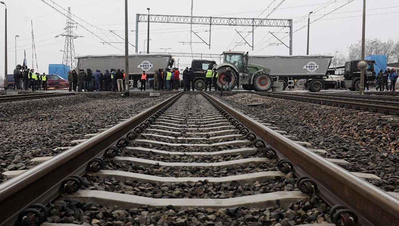 Kontrahenci, którym włoska firma nie płaciła od miesięcy, zablokowali jedną z najważniejszych linii kolejowych w Polsce (fot. PAP/Paweł Supernak)