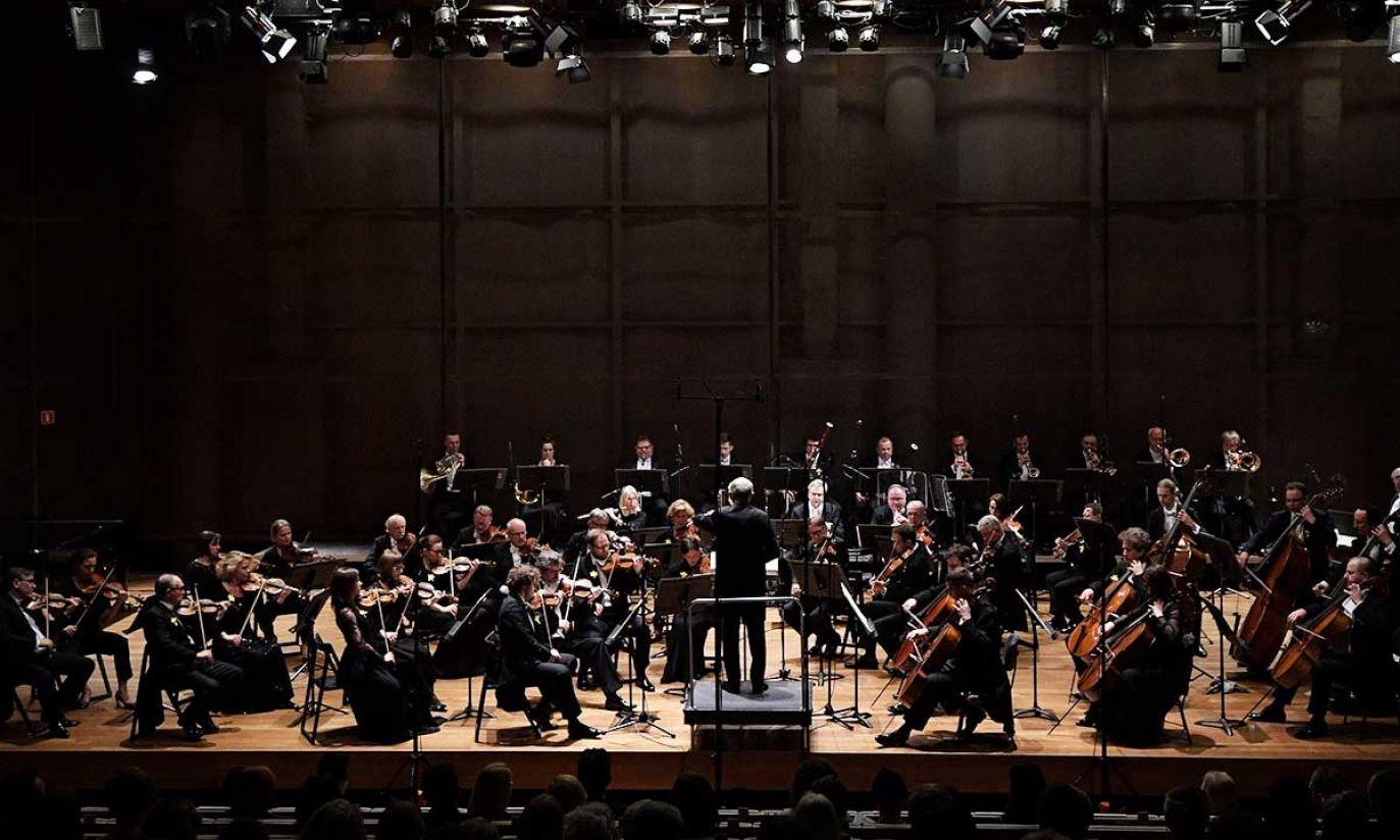Koncert Orkiestry Sinfonia Varsovia pod batutą Gabriela Chmury w Muzeum Polin (fot. PAP/Marcin Obara)