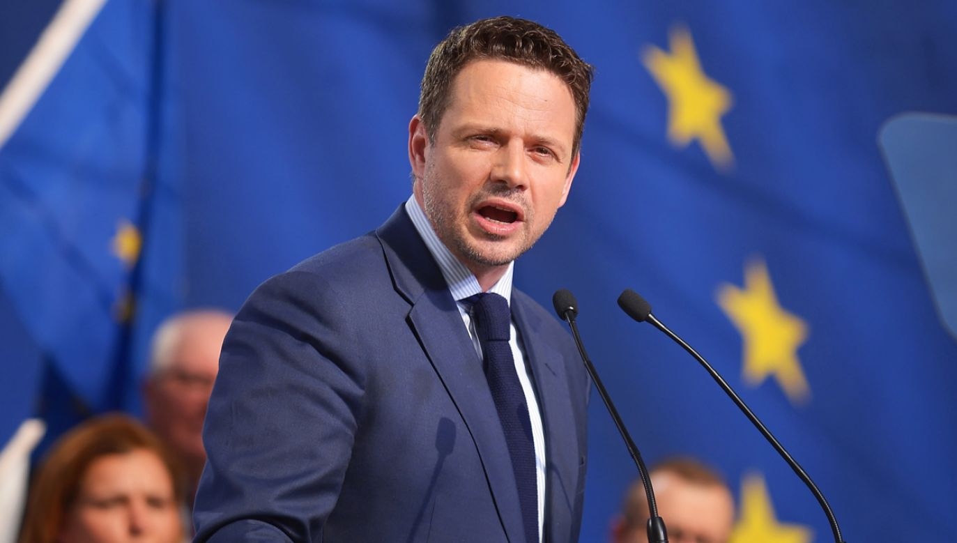 """""""PiS proponuje szczucie i zaściankowy nacjonalizm"""" – twierdzi prezydent Warszawy (fot. PAP/Marcin Obara)"""
