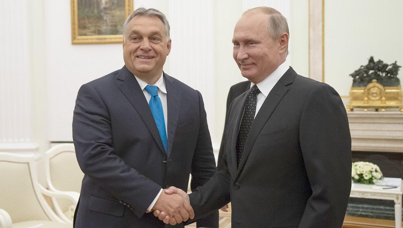 Węgry są jednym z kluczowych partnerów Rosji w Europie - ocenia Władimir Putin (fot. PAP/EPA/ALEXANDER ZEMLIANICHENKO / POOL)